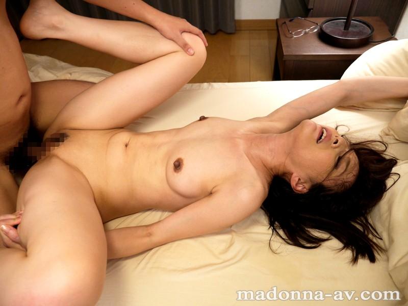 【スレンダー】梨花叔母さんに誘惑されて…~秘密のセックスレッスン~ 水原梨花 キャプチャー画像 10枚目