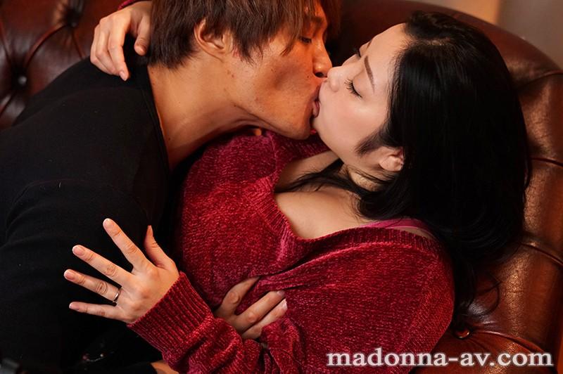 マドンナ専属芸能人第2弾!! 母の友人 小向美奈子|無料エロ画像5