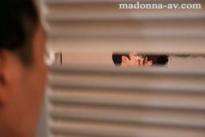 マリッジブルーNTR 結婚式前日に目撃した妻と同僚の衝撃的浮気映像 霧島さくら 画像7