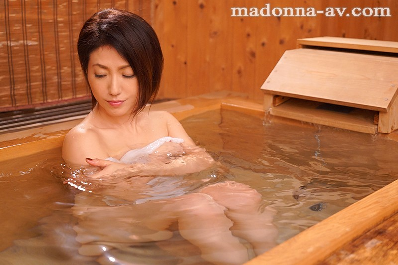 JUY-730 Studio Madonna - I Could Never Ever Tell My Wife That I Had A Pregnancy Fetish For My Stepmom... We Took A 2-Day, 1-Night Hot Springs Vacation, And I Lost My Mind And Creampie Fucked The Shit Out Of Her Nanako Kichise big image 2