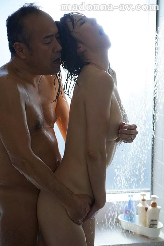 密着セックス 〜保護者会で始まる不貞、苦悩を分かち合う二人〜 澤村レイコのサンプル画像