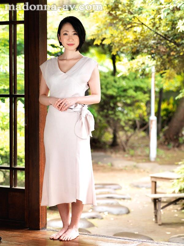 専属 選ばれしイイ女―。某有名高級ブランド店勤務 現役人妻販売員 舞原聖 34歳AVデビュー!! の画像9