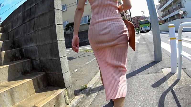 マキシワンピ女をレ●プ!3 薄着1枚で出歩くエロ女を人気の少ない場所まで尾行して… あえて脱がさず服の上から身体をまさぐり着衣のままハメて中出し16