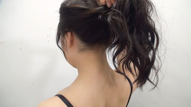 素人娘の全裸図鑑11 今時の女の子13名が恥らいながら脱衣していく様子をじっくり撮影した、変態紳士のためのヘアヌードコレクション キャプチャー画像 2枚目