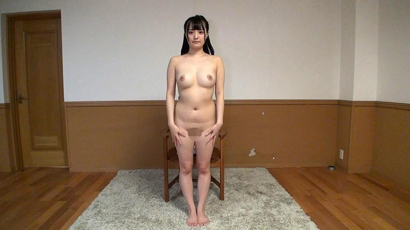 素人娘の全裸図鑑17 今時の女の子12名が恥らいながら脱衣していく様子をじっくり撮影した、変態紳士のためのヘアヌードコレクション キャプチャー画像 17枚目