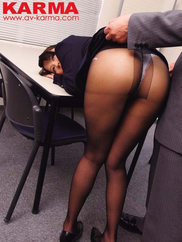 新入社員 未帆 ヤりたい放題、黒パンストをはかせたまま犯したい。 通野未帆 画像1