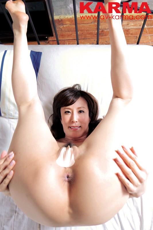 熟れ熟れ熟女優 澤村レイコさんのエロ巨尻を心行くまで堪能できるDVD キャプチャー画像 2枚目