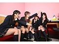 【VR】【制服美少女とカラオケBOX乱交パーティーVR】歌っては...sample5