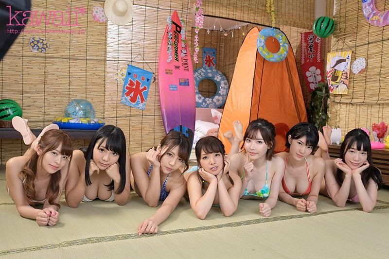 夏休み海の家でアルバイトしていた僕 台風で電車が止まり遊びにきていた女子大生7人と雑魚寝することに…