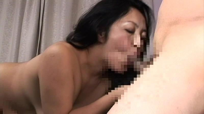 五十路母の完熟黒乳首 熟れすぎた母の麗しの干しぶどう キャプチャー画像 12枚目