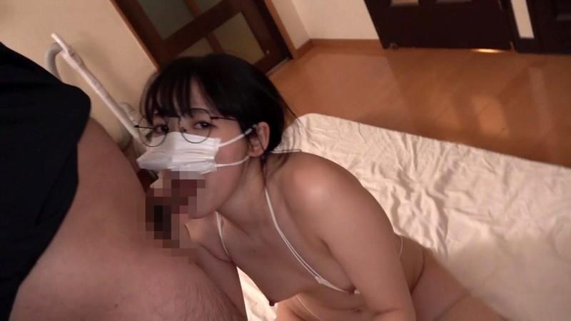 「ヤラせて」を断れない押しに弱すぎ幼妻・亜依 AVに出演したのが夫の友人達にバレて、慰みモノにされ生姦しまくり、のビデオ。 河奈亜依 17枚目