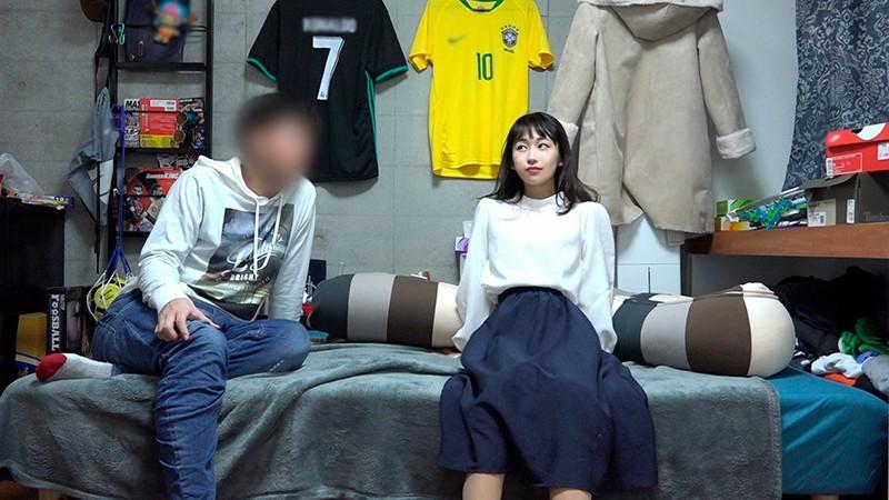 椿井えみ(22)のプライベートえっち盗撮 大人の事情とか気にせず勝手に発売w 1枚目