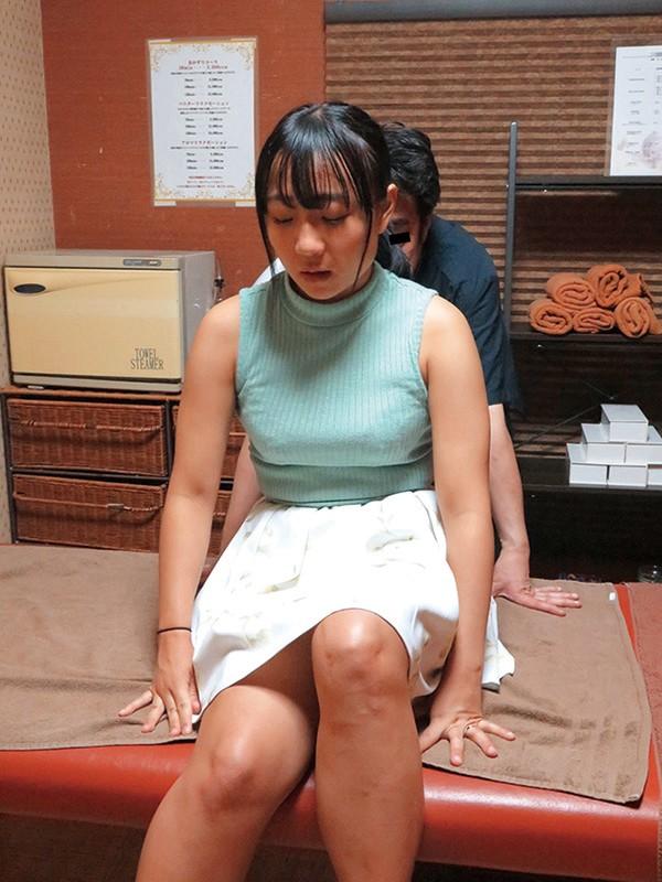【VR】押しに弱い制服美少女が 学校近くのエロ整体師にねっとり指圧マッサージ 痴● されて…