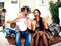 あの動画配信サイトで有名な巨乳人妻と仲良くなって部屋に連れ込みメチャクチャ......thumbnai9