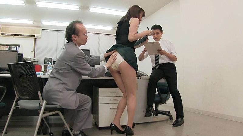 痴漢オークションに堕ちた女 ・女編集者レイコ 澤村レイコ 4枚目