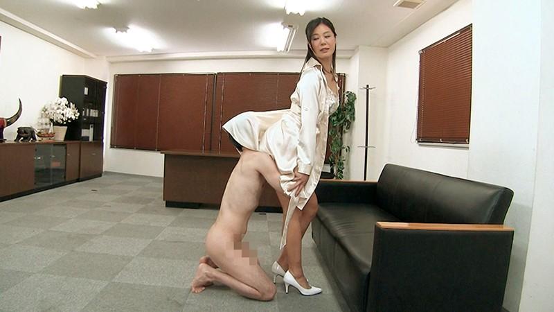 女上司仁美さんの艶やかスーツとツルてろサテンブラウス いいなり部下のチ○ポを仕事中にコッソリ味見する上司編 片瀬仁美 3枚目