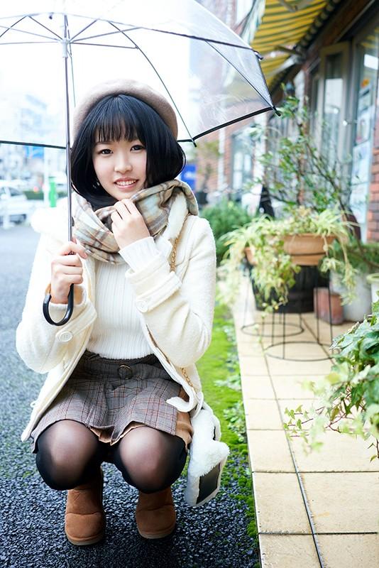 北海道から上京、即処女喪失AV DEBUT 朴訥な道産子の名前は甘宮涼菜と言う。