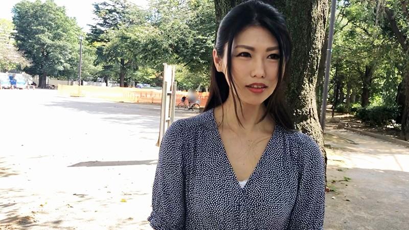 両手も呑み込むWアナルフィスト 尻の穴でアへ顔で悶絶する究極のアナル馬鹿妻 応募素人:由美(41歳)