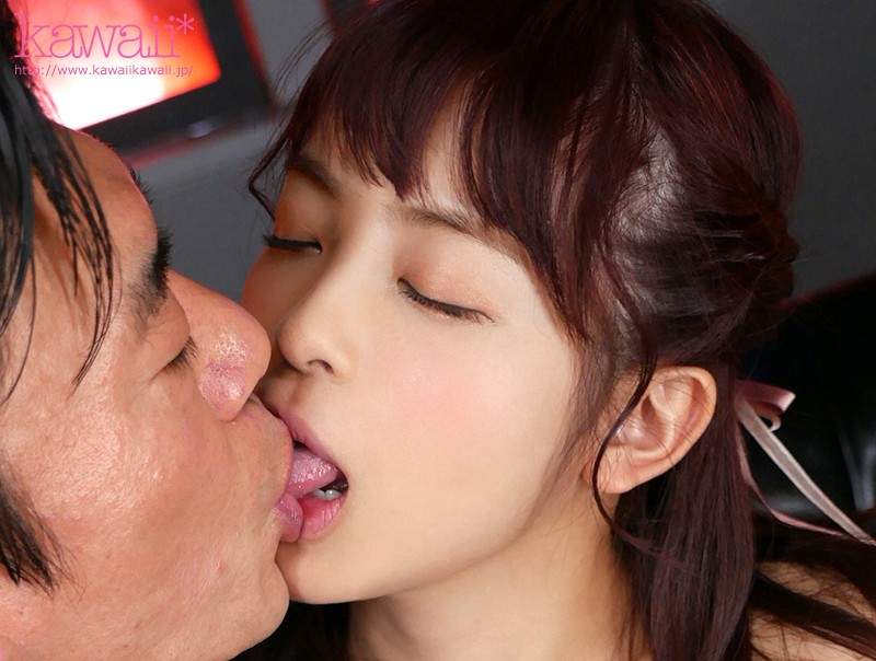 蜜より甘い少女の唾液をしゃぶり味わう全身ベロ舐め濃厚SEX50本番8時間