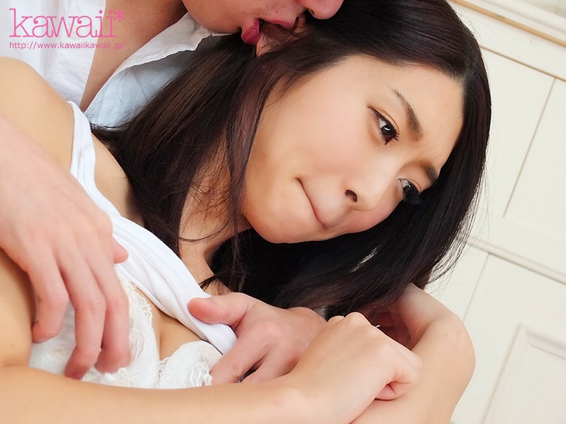 日本各地で発掘したダイヤの原石少女がカメラの前で見せた初々しい素人SEX 2枚目