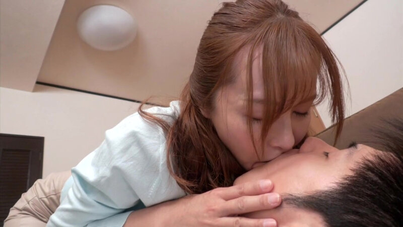 椿原みゆ 筆おろしは彼女の母親でした…会うたびに囁き誘惑してくる彼女の母と一日中やりまくった童貞のボク。