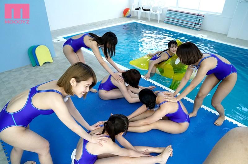 全員女子の水泳部に男子は僕ひとりだけ4