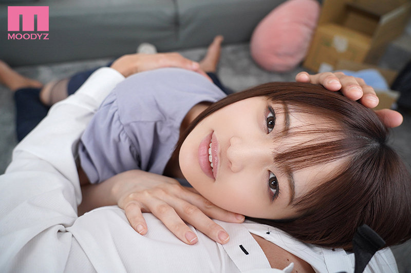 【VR】子猫みたいな気まぐれ彼女と軋むベッドの上で心を寄せ合いきつく体抱きしめ合った同棲初夜 蒼井結夏 画像2