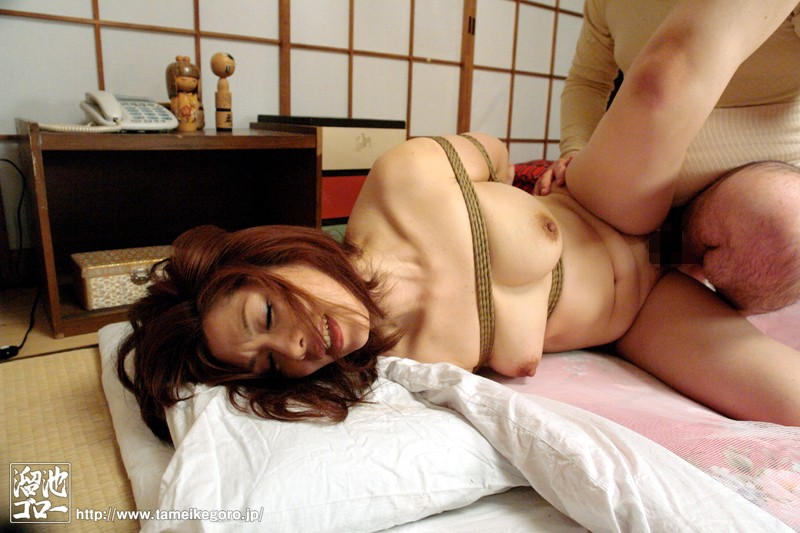 MDYD-552 Studio Tameike Goro - The Old Guy I Saved Took Me With Him - Old Guy's Country's Mature Wom