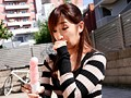 AVを拾う人妻 松井優子のサンプル画像