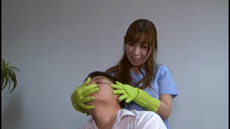 痴女清掃員のゴム手袋手コキマゾ射精WASH!2 の画像15