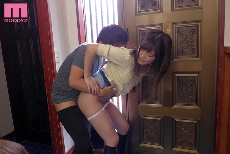 MIAA-185 Studio MOODYZ - A Cherry Boy Little Stepbrother Who Took His Big Stepsister's Provocations