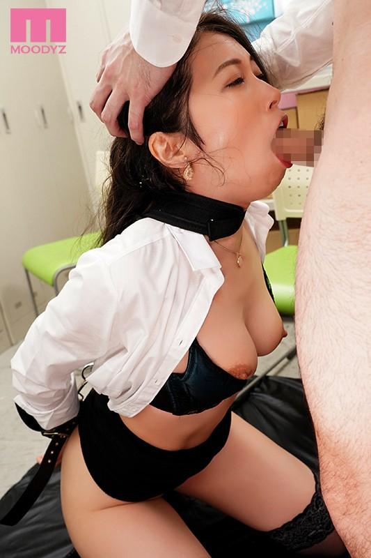 喉ボコ顔面マ○コ女 アナコンダ舌蹂躙 女上司食道調教イラマチオ 佐伯由美香 画像8