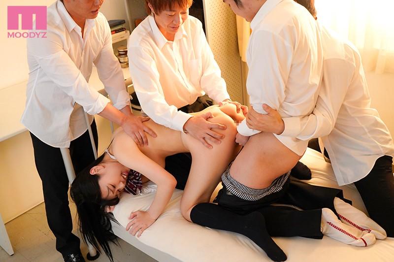 新婚の僕が出張先で女上司とまさかの相部屋 朝から晩まで性奴●にされた逆NTR 篠田ゆう