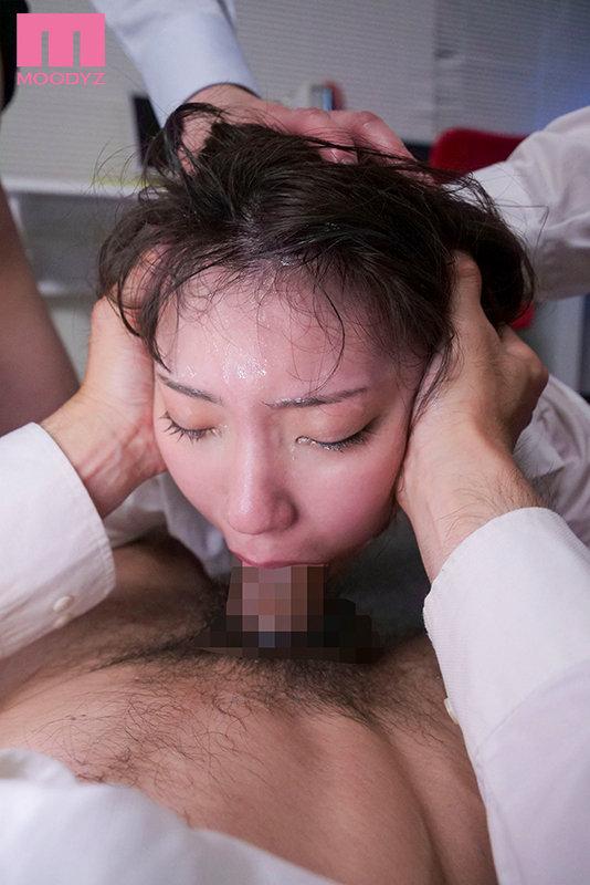 旦那をクビにしたくなければあいつ(夫)の上司のオレの喉奥イラマを受け入れろ。 竹内夏希