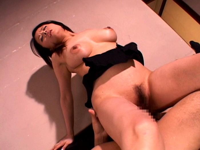 巨乳人妻女教師 佐藤美紀 画像4