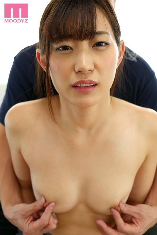 乳首をず〜っとこねくりっ放し性交 美谷朱里 画像1