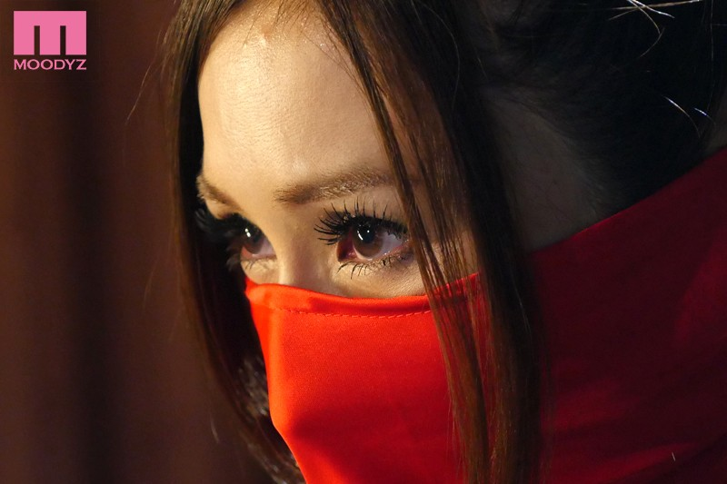 女忍 JULIA 1枚目