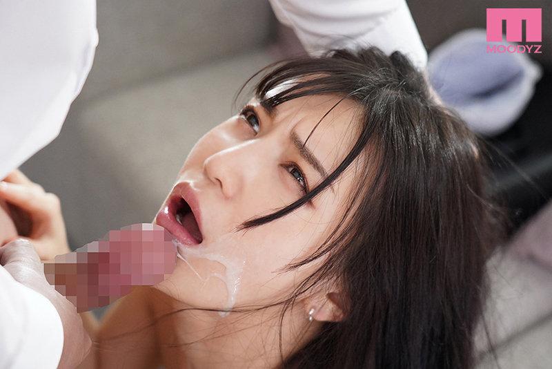 性処理接待スイートルーム 自分の部下に裏切られた女社長の私は、ムカつく取引先の濃厚オヤジ達に朝まで、何度も、イカされ続けて… 高橋しょう子