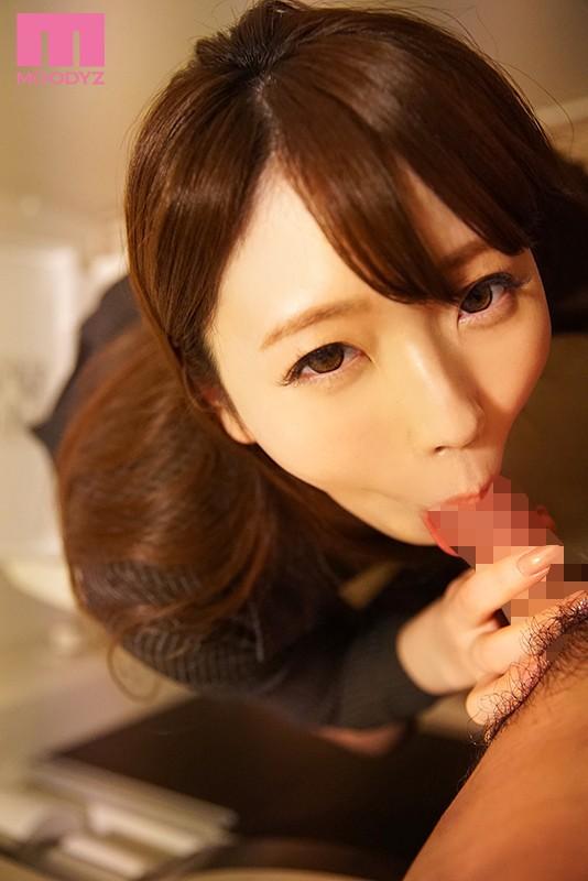 チ○ポが好きすぎて好奇心で応募してきた美人秘書 フェラチオの女神AVデビュー!! 安藤かれん 画像5