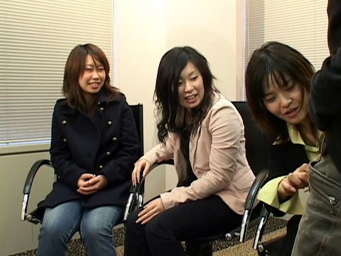 チンポを見たがる女たち36 超過激!素人娘のフェラチオ、手コキ、アナル舐め編 画像16