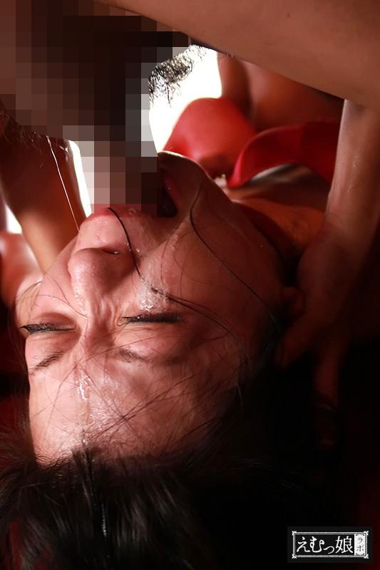 吐き出すまで突きまくる、史上最狂のイラマチオ 森苺莉 画像3