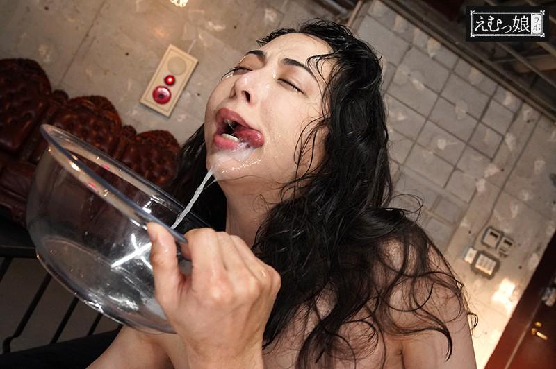 飲ませた精子を吐き出すまで突きまくる、史上最狂のザーメンリバースイラマチオ 晶エリー 8枚目
