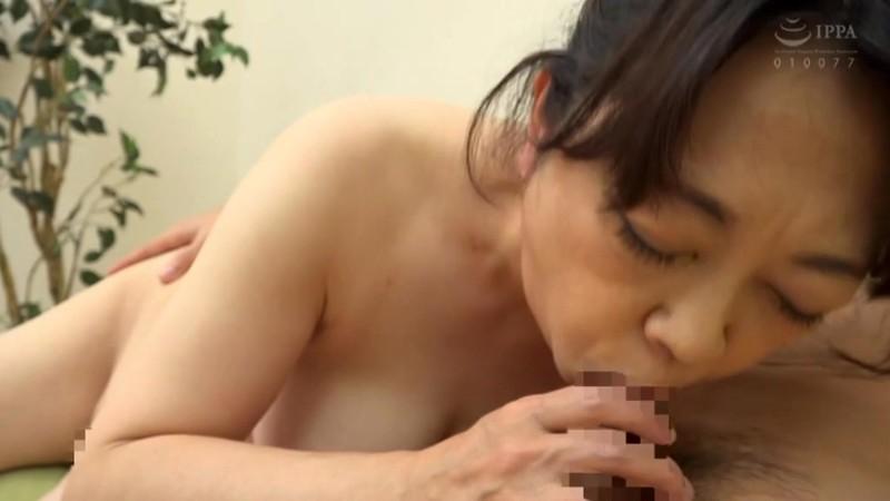 初撮り五十路妻 むしゃぶりつきたくなるエロ大乳輪 永井絵理子 10枚目