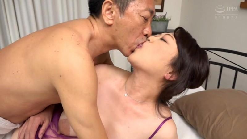 初撮り五十路妻 むしゃぶりつきたくなるエロ大乳輪 永井絵理子 11枚目