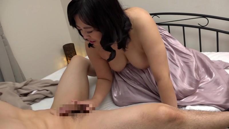 爆尻無双 ビッチなヤリマン五十路妻がAVデビュー! 遠藤陽美 画像10