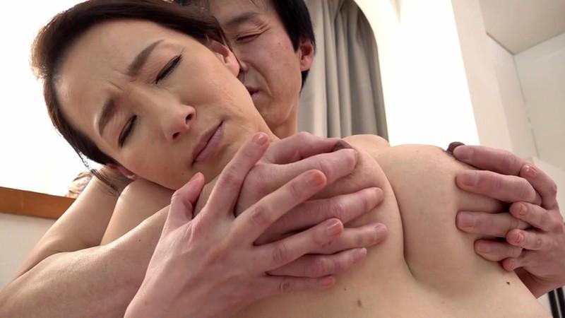 Fカップの美魔女五十路がAVデビュー! 佐月りんか1