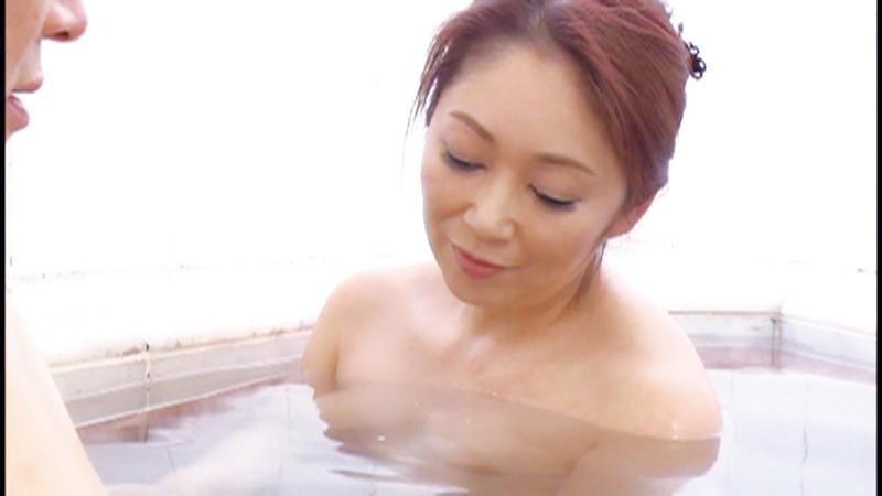 嫁の母 濡れすぎて欲情 12人4時間のサンプル画像