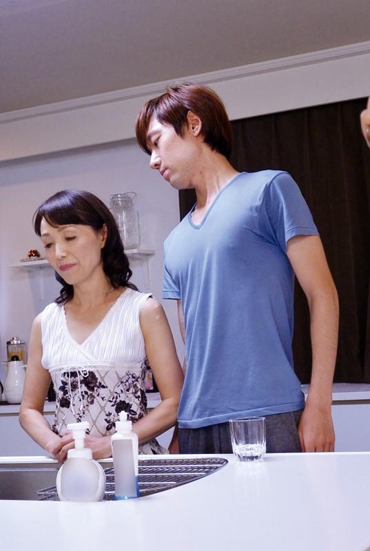 嫁の母 欲求不満の五十路義母に中出し 隅田涼子 1枚目