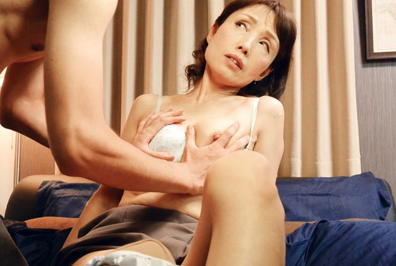 嫁の母 欲求不満の五十路義母に中出し 隅田涼子 4枚目