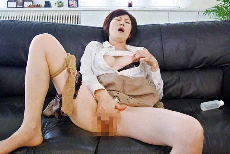 夫にはたのめない、あなたのアナルをなめさせて、わたしのツバを飲み込んで、わたしを犯して、顔にかけて! 竹内梨恵 キャプチャー画像 5枚目